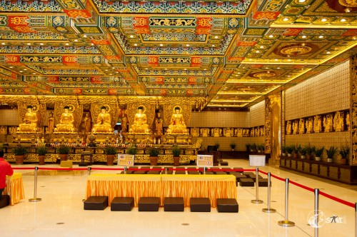 Einige Buddhas.