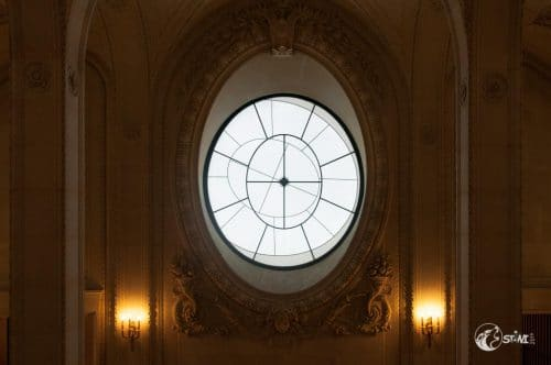 Fenster im Louvre