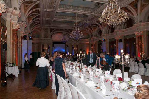 Großer Saal - großes Gala Dinner.